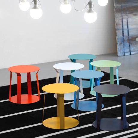 Tavolino di design in metallo laccato