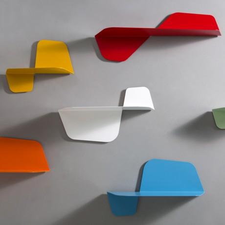 Mensola di design in metallo laccato