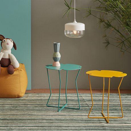 Tavolino Corolla con gambe in tondino di ferro Memedesign