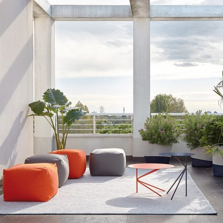 Tavolini rotondi da esterno e interno TWIN di MEMEDESIGN