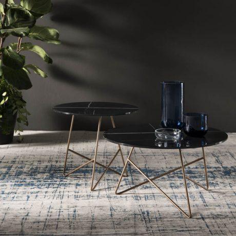 Eleganti tavolini con top in vetro marmo Sahara black Memedesign