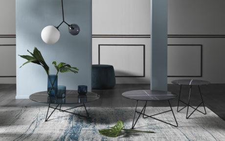 Eleganti tavolini con top in vetro marmo Memedesign